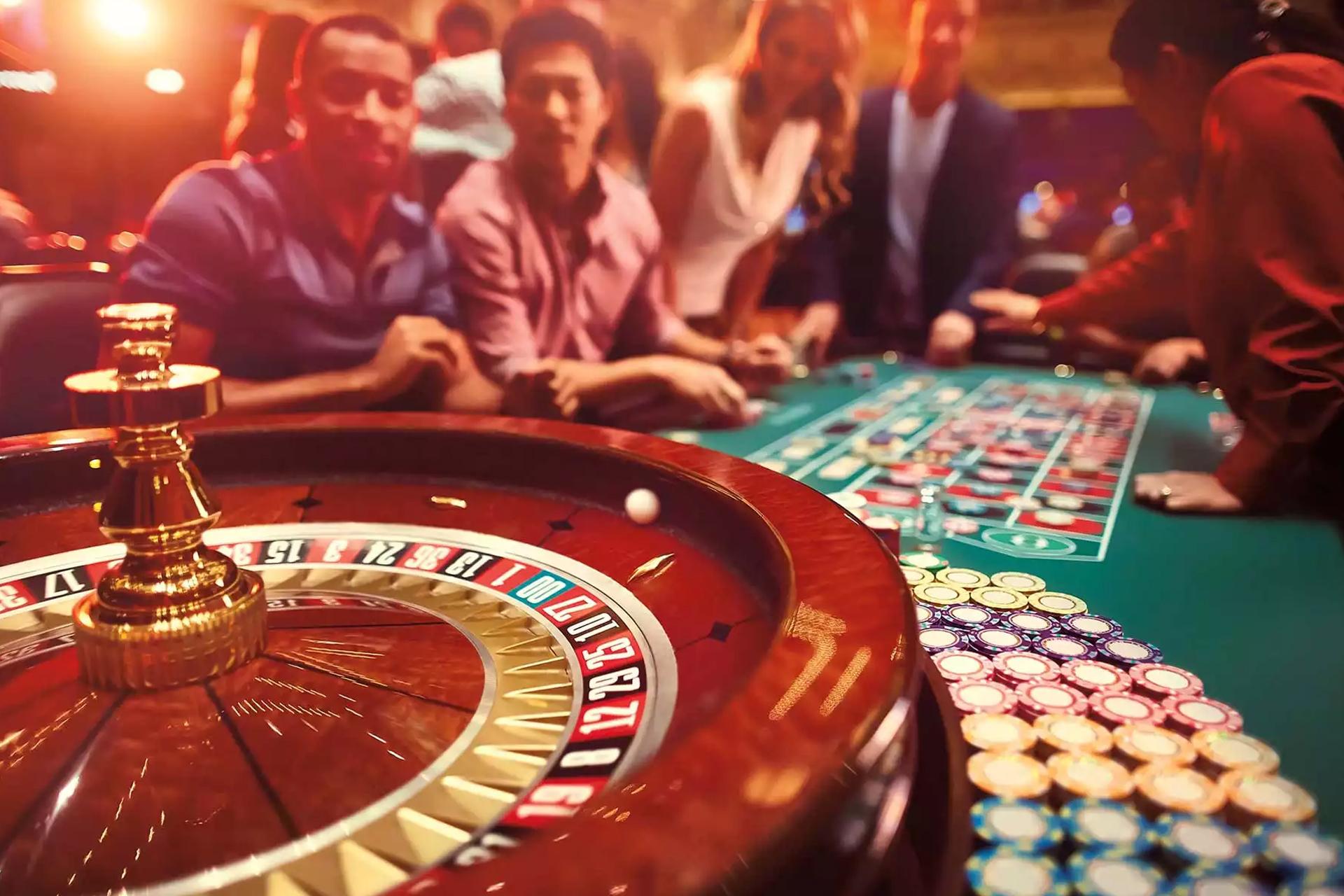 Кто играет в казино кристалл поиграть в игровые автоматы бессплатно без регистрации